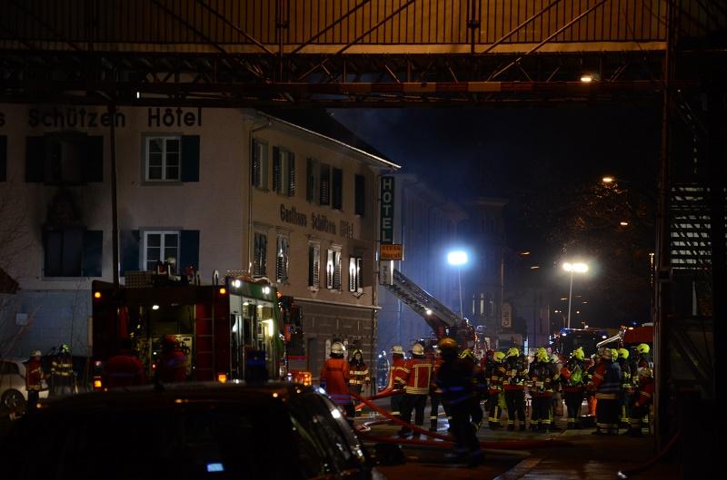 Grosseinsatz in Laufenburg: Sieben Verletzte bei Brand im