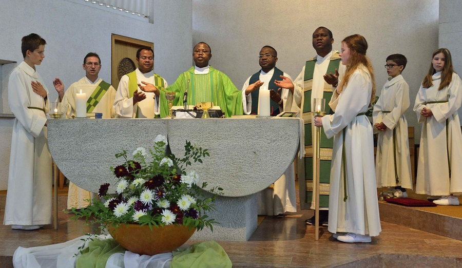 Neue Fricktaler Zeitung Pfarrer Ernest Obodo Wurde In Der Kirche Sulz Feierlich Verabschiedet